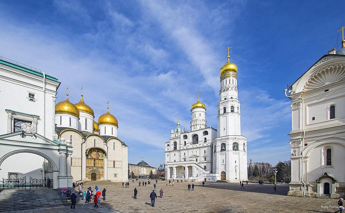 Соборная площадь: соборы Московского Кремля